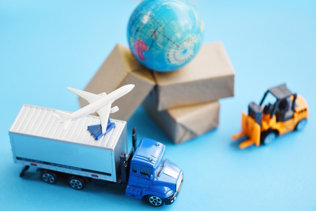 Transports and packages Premium Photo