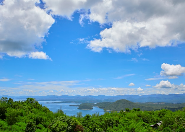 Travel photography mountain lake Premium Photo