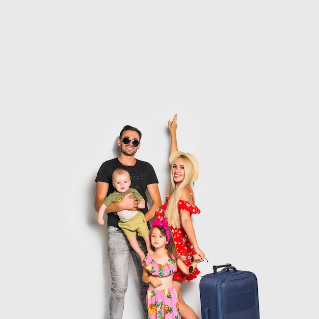 Traveling family Free Photo