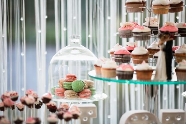 Trays with cakes Premium Photo