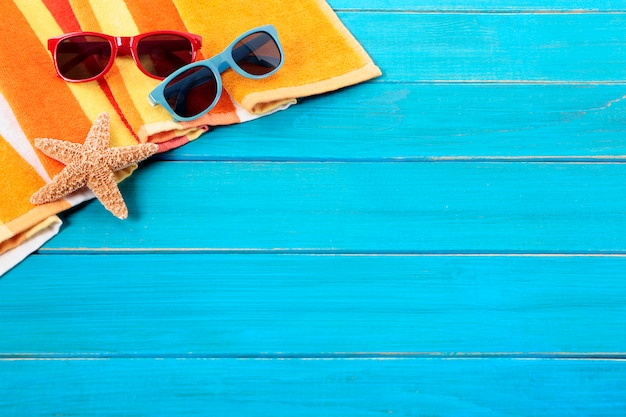 Tropical beach background with sunglasses  Free Photo