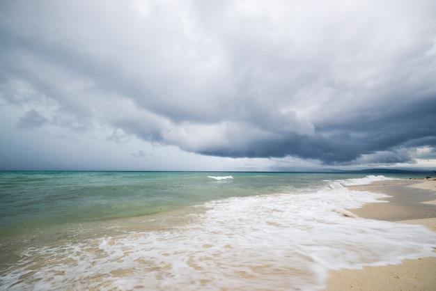 Tropical storm on indonesian coastline Premium Photo