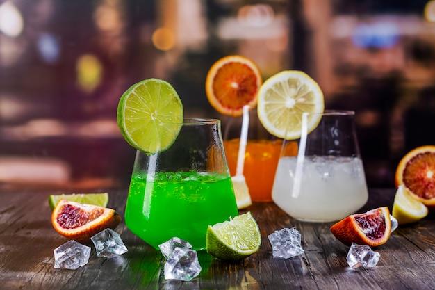 Tropical summer cocktails Premium Photo