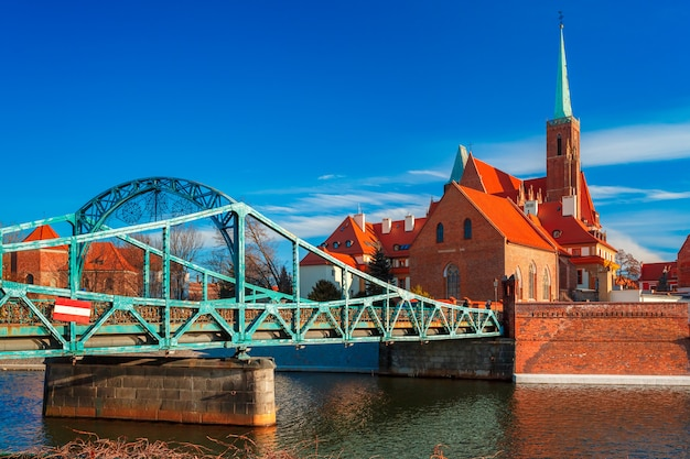 Tumski bridge in the morning, wroclaw, poland Premium Photo