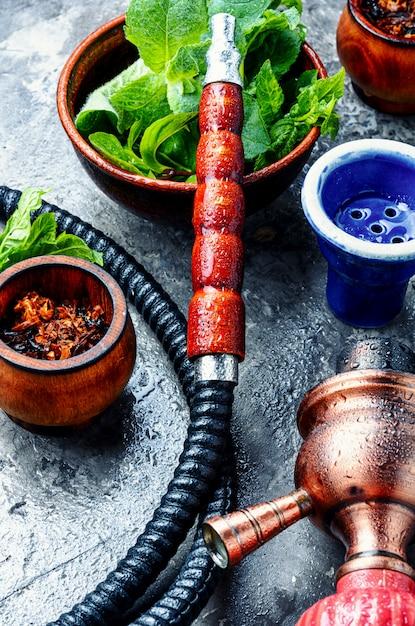 Turkish hookah with mint Premium Photo