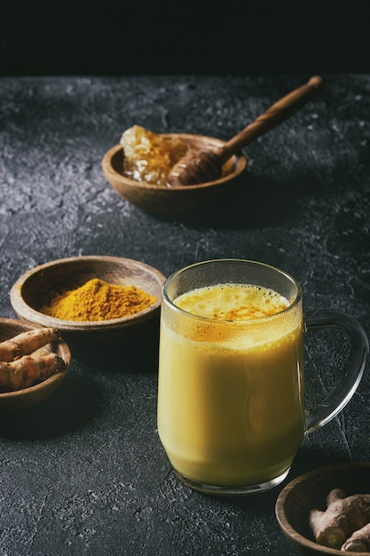 Turmeric golden milk latte Premium Photo