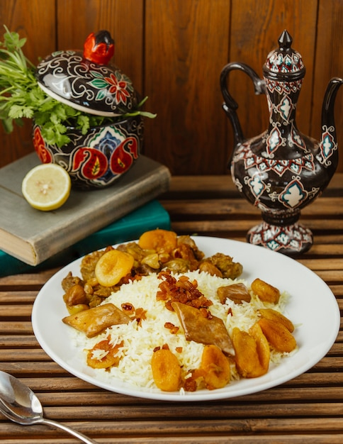 Turshu govurma plov with dry fruits, traditional caucasian kitchen. Free Photo