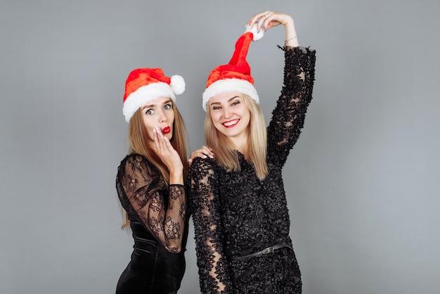 Две Молодые Блондинки Желают Друг Друга