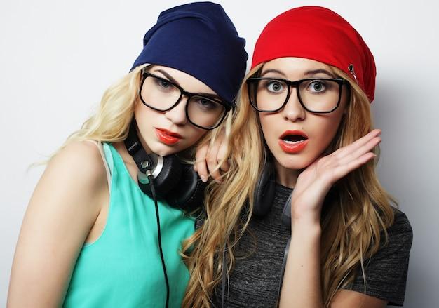 Two best friends hipster girls Premium Photo