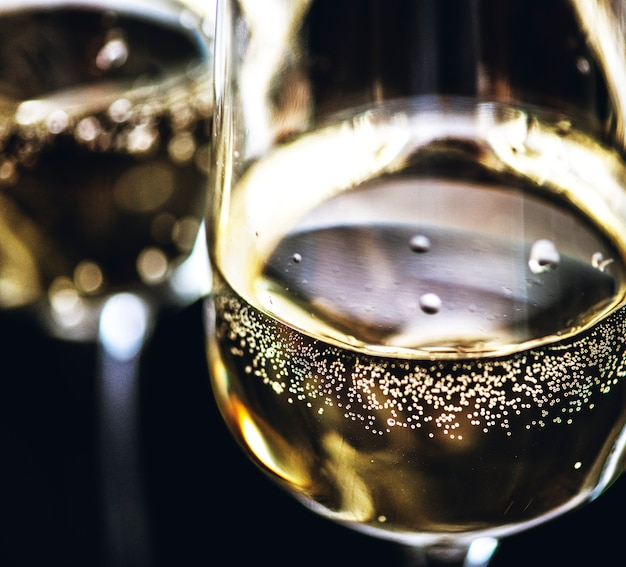 Two glasses of sparkling wine Free Photo