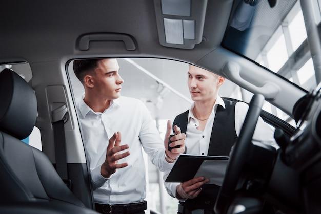 Tips menjual mobil bekas agar cepat laku