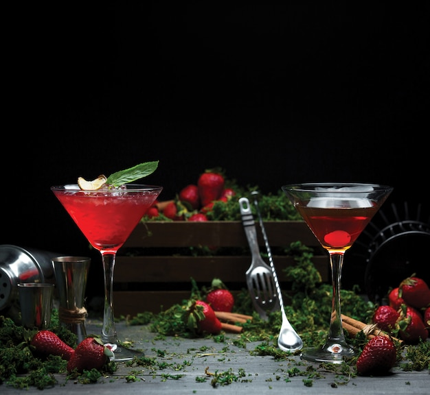 Two pax alcohol red cosmopolitan Free Photo