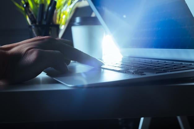 Typing on laptop closeup Premium Photo