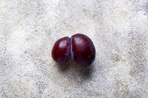 Ugly plums, abnormal organic fruit Premium Photo