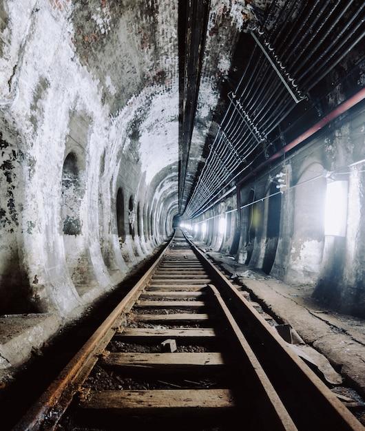 Подземный туннель и железная дорога в нью-йорке, сша Бесплатные Фотографии