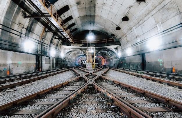 Подземный тоннель и железная дорога в нью-йорке Бесплатные Фотографии