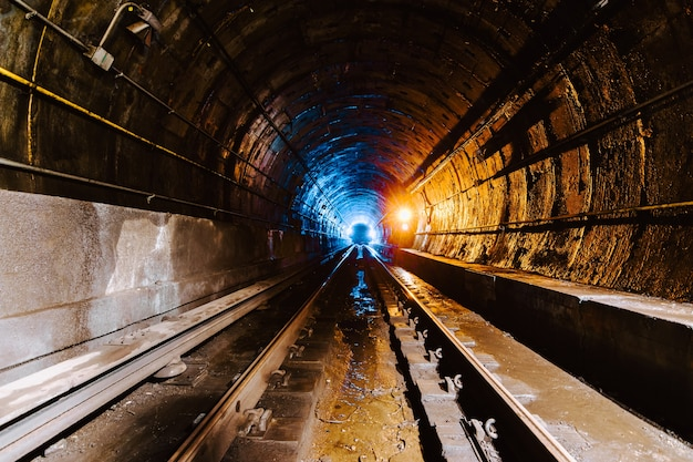 Underground tunnel and the railway in new york city, united states Free Photo