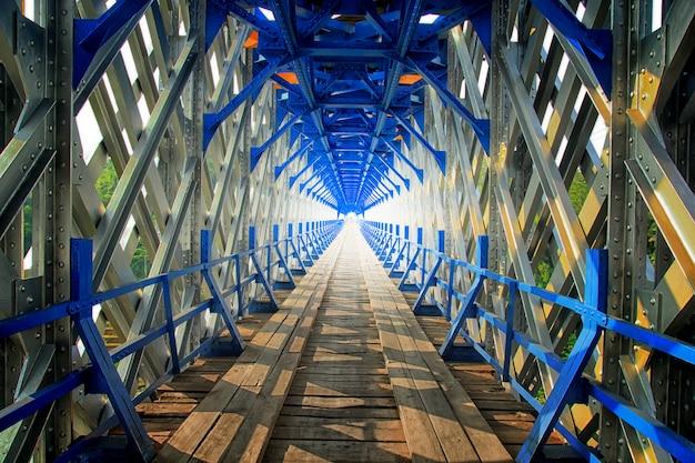 A unique bridgea Premium Photo