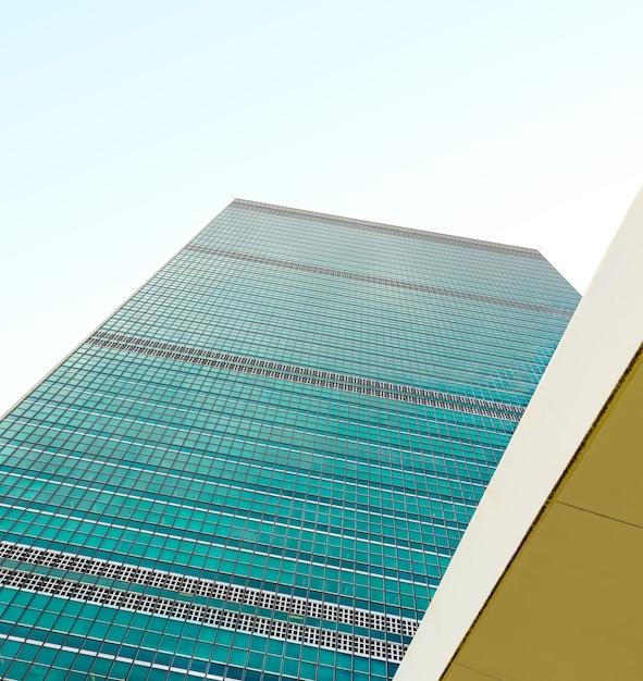 Здание организации объединенных наций в нью-йорке - штаб-квартира организации объединенных наций. Premium Фотографии