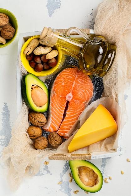 不飽和脂肪食品 Premium写真