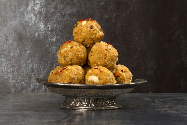 Urad dal laddu Premium Photo