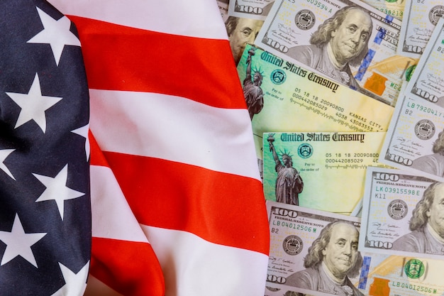 Us flag and usa dollar banknotes Premium Photo