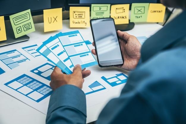 User experience ux er web smartphone layout. Premium Photo