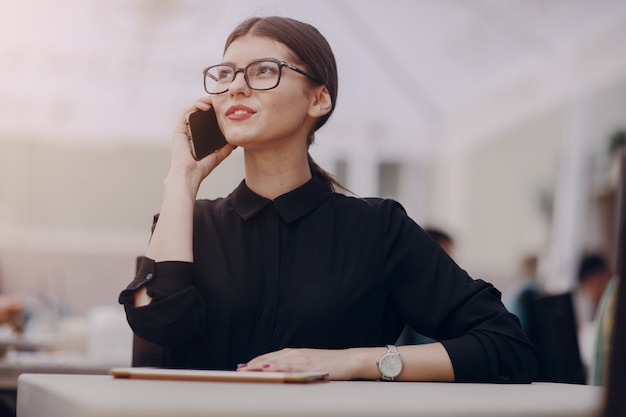 Using technology job restaurant girl Free Photo