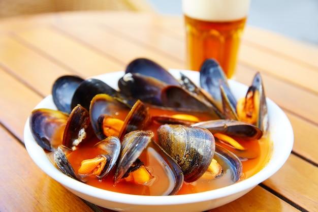 발렌시아 Clochinas 찜 홍합 전형적인 음식 프리미엄 사진