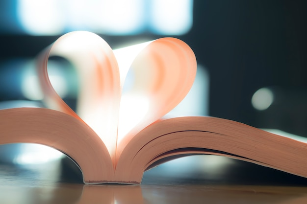 Valentine page heart white symbol novel Free Photo
