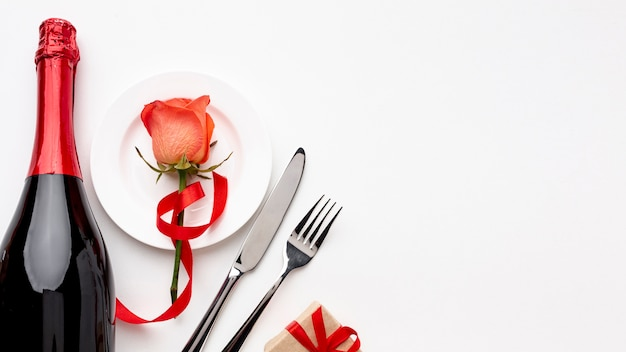 Valentine's day composition with champagne and glasses with copy space Free Photo