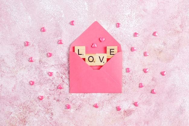 장미 꽃과 함께 발렌타인 데이 인사말 카드. 무료 사진