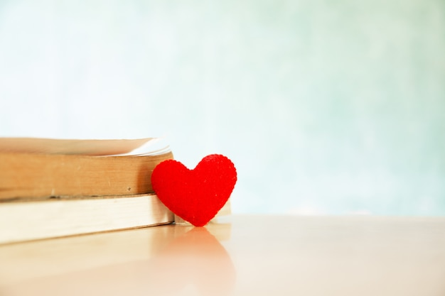 Valentines day concept. heart of the book. greeting cards. Free Photo