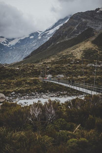 Valley track con vista sul monte cook in nuova zelanda Foto Gratuite