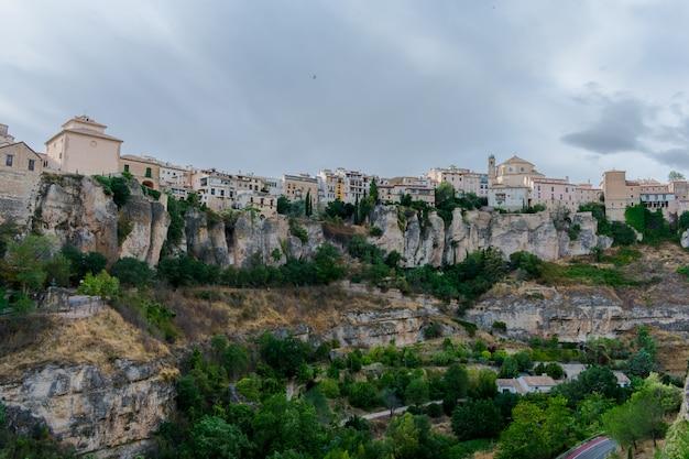 Valley where the casas colgadas(hanging houses) are located Premium Photo