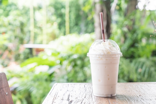 Vanilla milkshake smoothie Free Photo