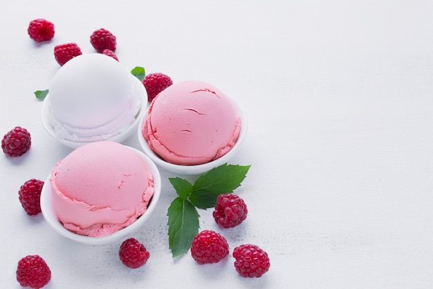 Vanilla and raspberry ice cream Free Photo