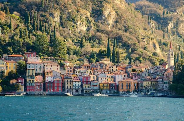 Деревня варенна, ломбардия, италия Бесплатные Фотографии