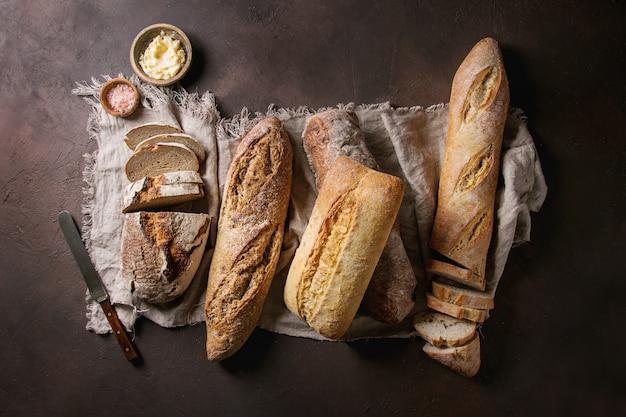Variety of artisan bread Premium Photo