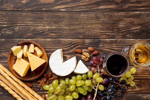 Variety of cheese for wine tasting session Free Photo