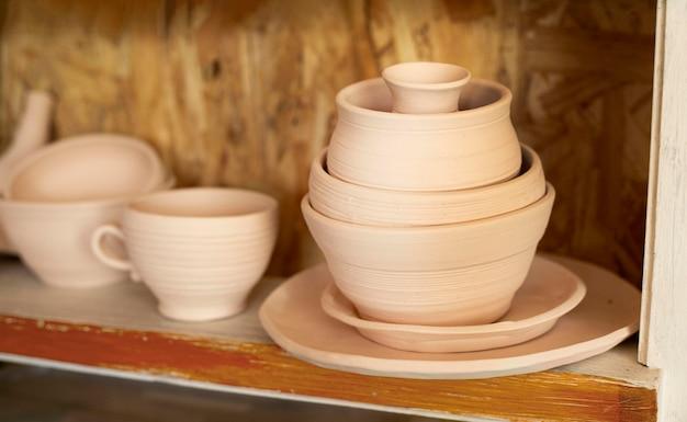 Varie ciotole in ceramica concetto Foto Gratuite