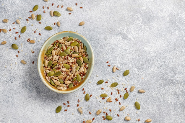 Различные семена - кунжут, семена льна, семена подсолнечника, семена тыквы для салатов. Бесплатные Фотографии