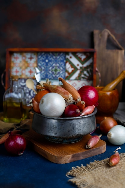 Various types of onions red, white, yellow, shallot Premium Photo