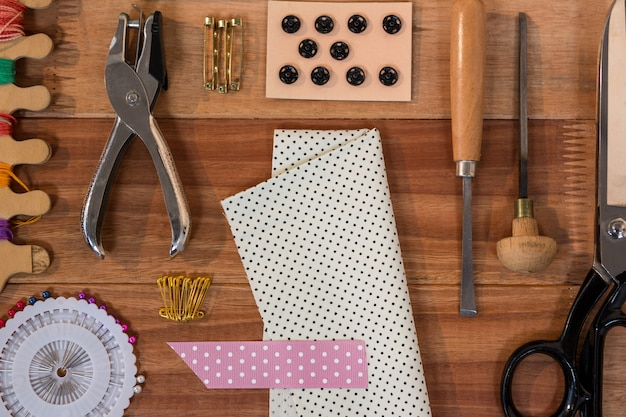 Various types of sewing tools Free Photo