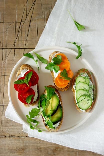 様々なベジタリアンサンドイッチ Premium写真
