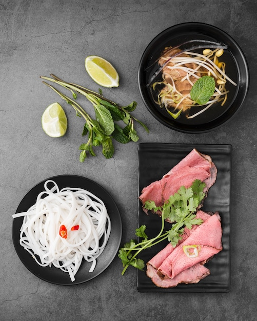 Various vietnamese food with noodles and ham Free Photo