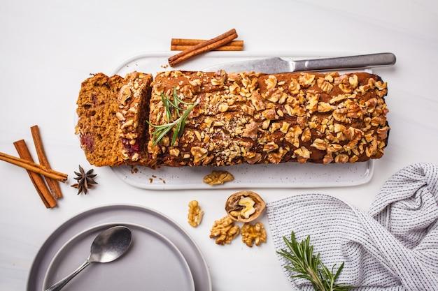 Vegan berries and nuts bread. Premium Photo