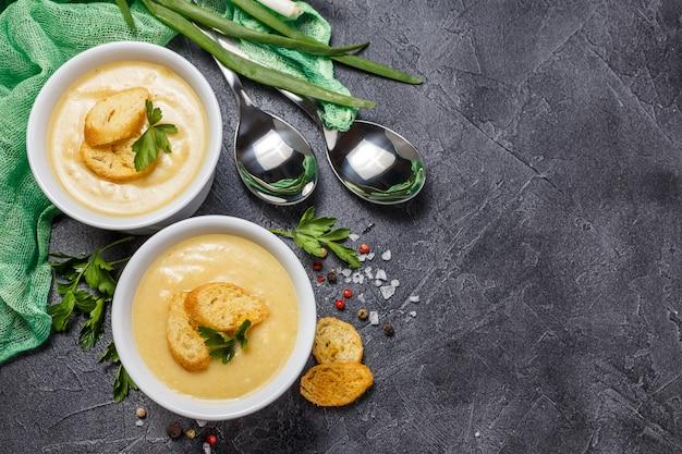 Vegetable soup puree Premium Photo