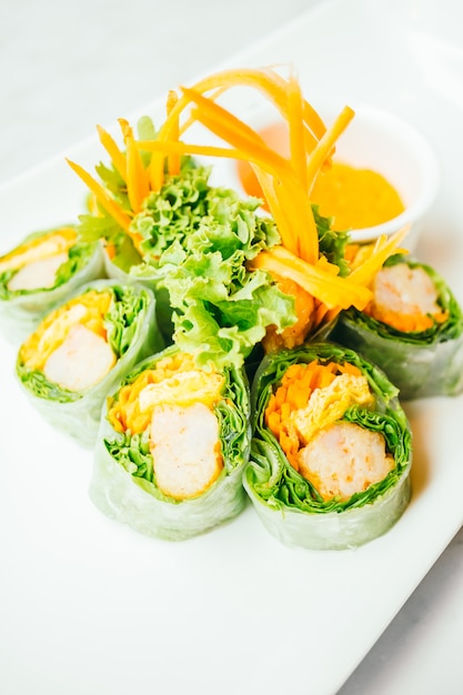 Vegetable spring roll Free Photo