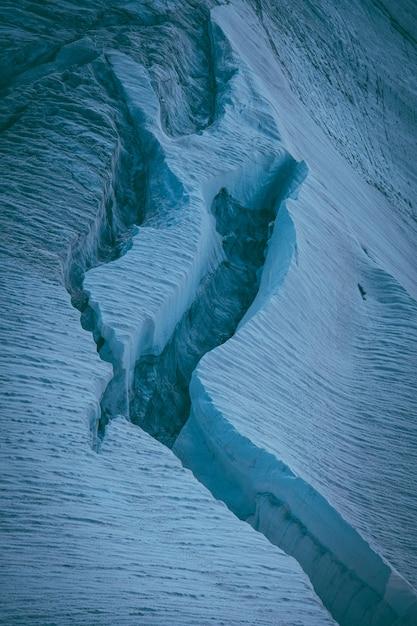 氷河の垂直ショット 無料写真
